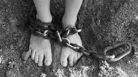 子ども 体罰 問題